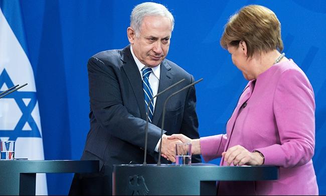 """نتنياهو يطلب مساعدة ألمانيا في استعادة """"جثتي جنديين"""""""
