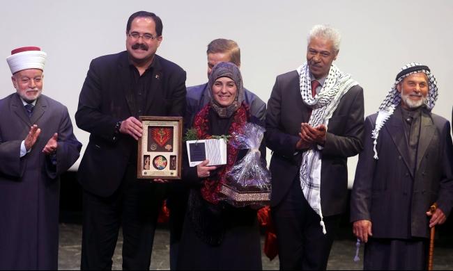 اختيار فلسطينية بين أفضل 10 معلمين بالعالم