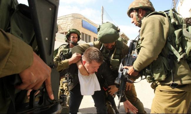 مستوطنون يقتحمون الأقصى واعتقالات في الضفة الغربية