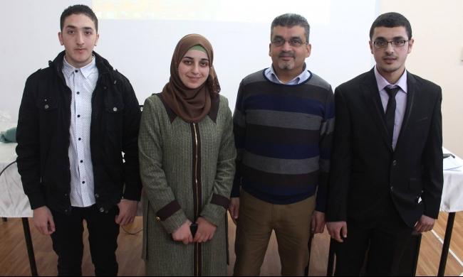 طلاب فلسطينيون يطورون لوحة مفاتيح للمكفوفين