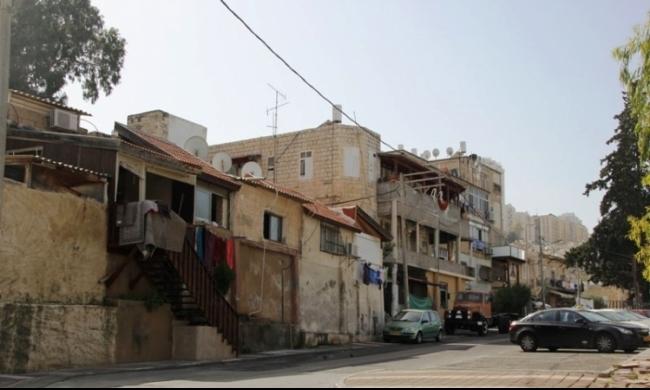 حيفا: إلقاء قنبلة وإطلاق نار على منزل امرأة عربية