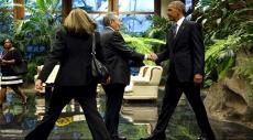 أوباما يبدأ محادثاته مع نظيره الكوبي كاسترو