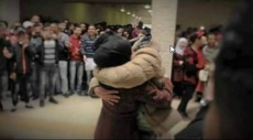 جامعة طولكرم: عانق خطيبته... ففصلوه