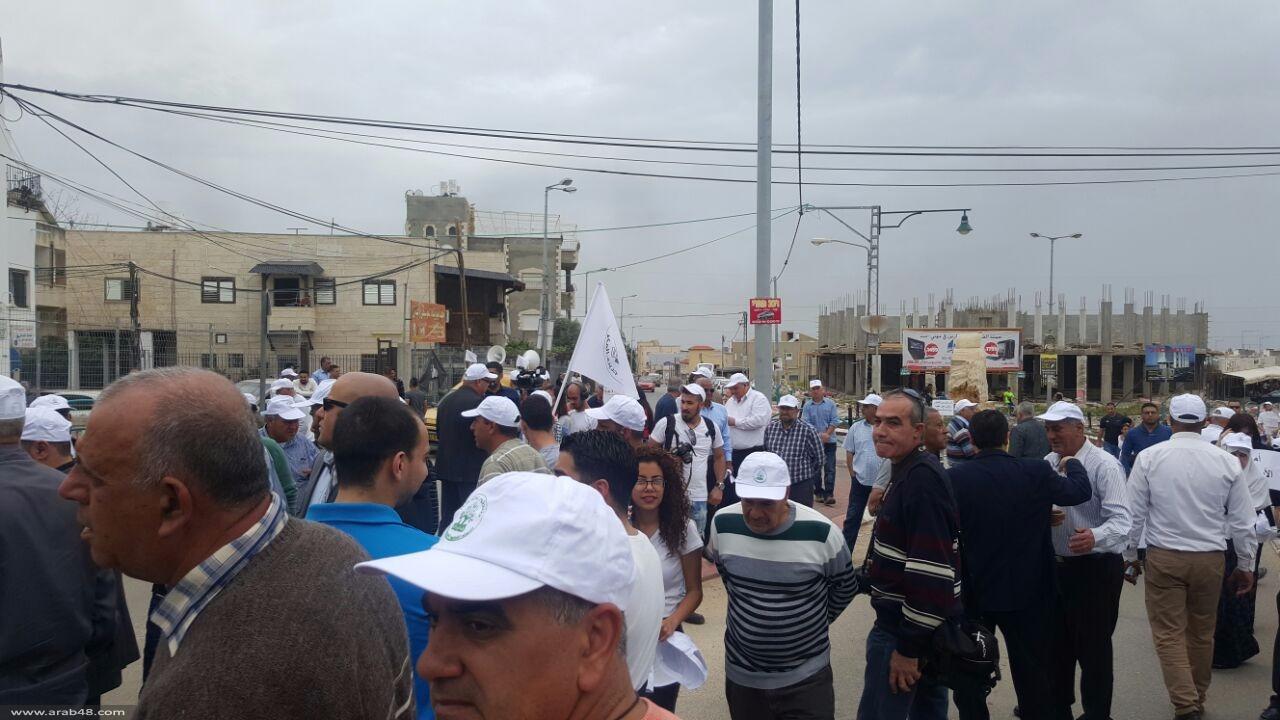 في الذكرى الأربعين ليوم الأرض: المئات في مسيرة الطنطور