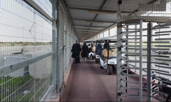 اعتقال مريض أثناء مروره عبر حاجز بيت حانون