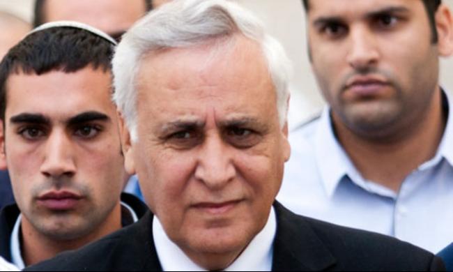 لجنة تنظر في الإفراج عن الرئيس الإسرائيلي الأسبق كتساف