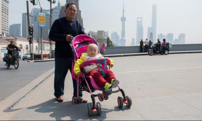 الصين تمدد عطلة الولادة للتشجيع على الإنجاب