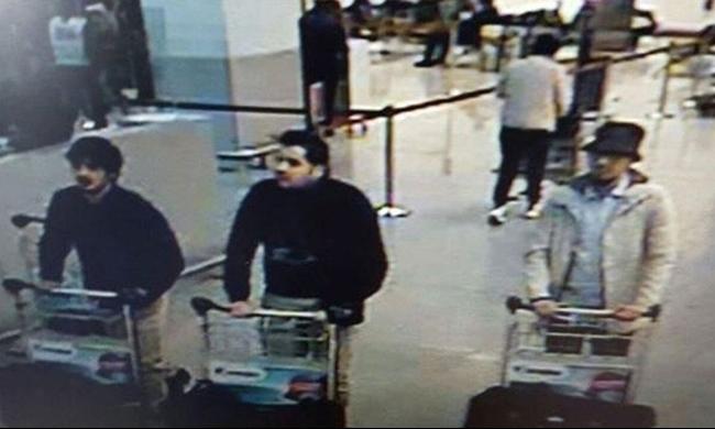 """هجمات بروكسل: الإفراج عن المشتبه بأنه """"صاحب القبعة"""""""