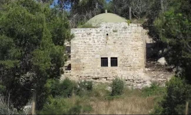 جبل الكرمل: كتابات تذكارية في قرية جبع المهجرة..