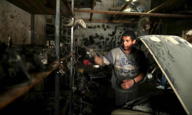 غزة: تزايد عمالة الأطفال بسبب الحصار الإسرائيلي - المصري
