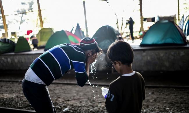اليونان: إعادة أول 500 لاجئ لتركيا الإثنين