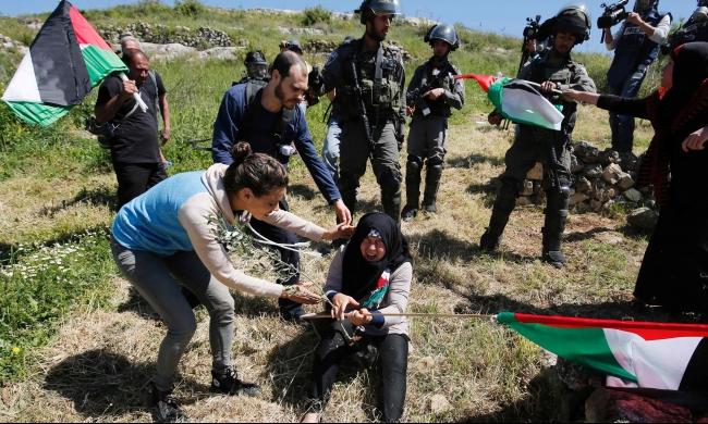 الاحتلال يخشى تصاعد الهبة رغم تراجع العمليات