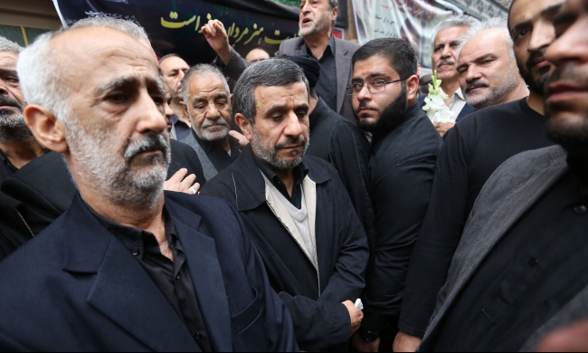 أحمدي نجاد يلمح لنيته الترشح للرئاسة الإيرانية