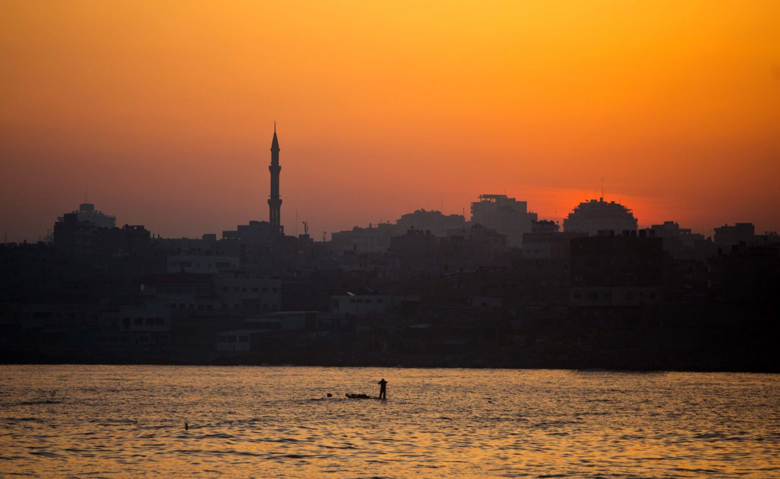 شاطئ غزة
