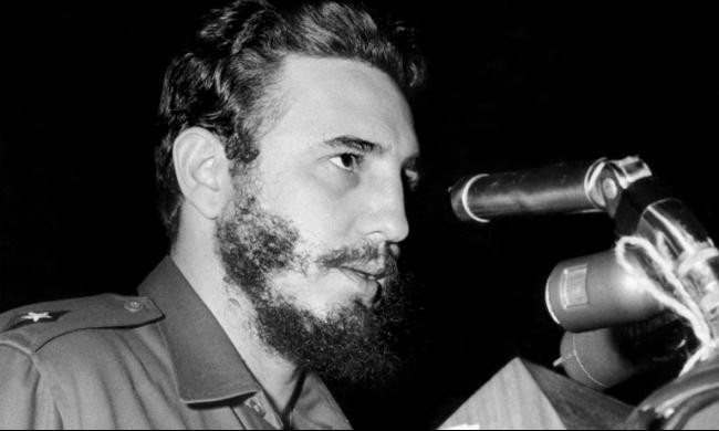 ظهور  نادر للزعيم فيدل كاسترو بالإعلام الكوبي