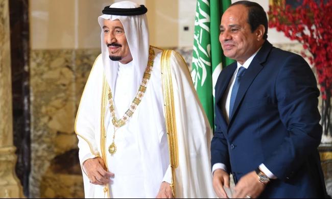 """الوسم الأكثر تداولا في مصر... """"عواد باع أرضه"""""""