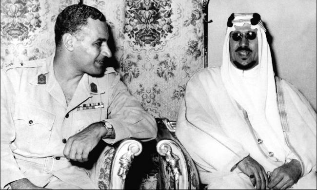 """عبد الناصر يحسم ملكية جزيرتي """"صنافير"""" و""""تيران"""""""