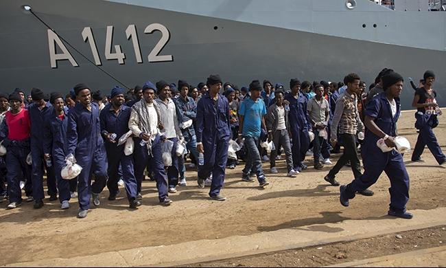 إنقاذ أكثر من 4 آلاف مهاجر في مضيق صقلية