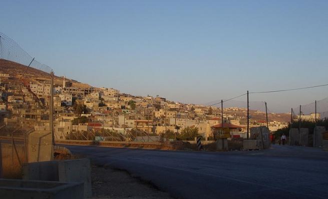 مخيم العروب: الاحتلال يدهس الفتى محمّد أبو غازي ومواجهات
