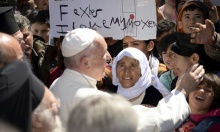 البابا فرنسيس للاجئين: لستم لوحدكم