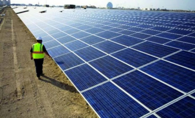 أريحا: اتفاقية لتأسيس أكبر محطة للطاقة الشمسية