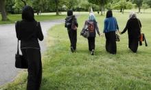 """""""يوم الحجاب"""" يثير جدلا في فرنسا"""