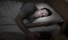 لماذا لا ننام عميقًا في مكان غريب؟