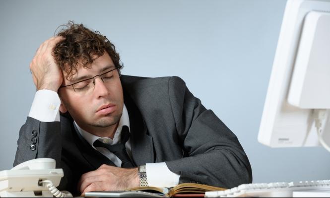 كثرة ورديات العمل الليلية تتسبب بأزمات قلبية