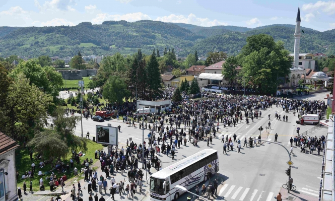 إعادة افتتاح مسجد بوسني دمر خلال الحرب