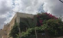 بلدية الاحتلال تسلم عائلة العيساوي إخطارًا بهدم بيتهم