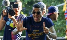 البرازيلي ألفيس يخاطب جماهير ريال مدريد