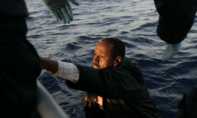 الأمواج تجرف جثث 85 مهاجرا للسواحل الليبية