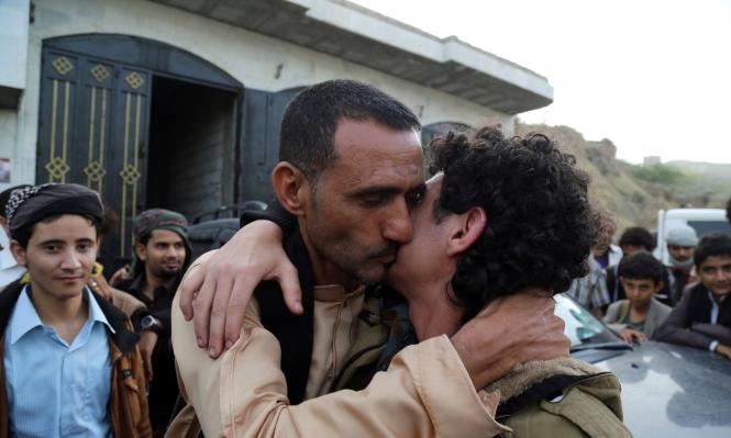 تعز: المقاومة الشعبية والحوثيون يتبادلون 185 أسيرًا