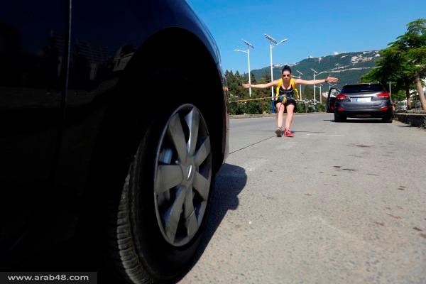 الفتاة الخارقة: تجر السيارات والشاحنات وقريبًا الطائرات