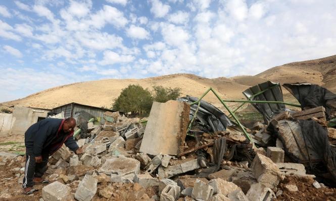 طوباس: الاحتلال يخطر بوقف بناء عدد من المنازل