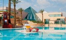 """""""فتال"""" لزبائن يهود: الفندق مليء بالعرب"""