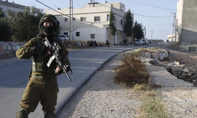 """الاحتلال يعتقل 4 فلسطينيين بتهمة """"الإرهاب الشعبي"""""""