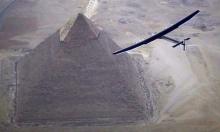 شاهد: سولار إمبالس 2 تحلق فوق الأهرامات