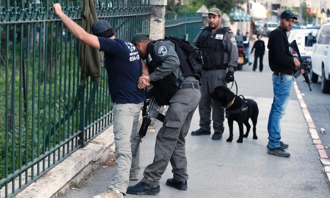 القدس: الاحتلال يعتقل 9 فلسطينيين بالعيساوية بادعاء إلقاء حجارة