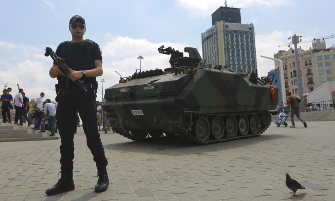إغلاق آلاف المدارس والمؤسسات التركية في أول مرسوم رئاسي