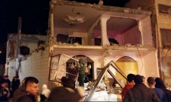 هدم بالجملة: الاحتلال يهدم عدة مبان بقلنديا ومواجهات واعتقالات