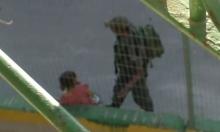الخليل: جندي إسرائيلي ينكل بطفلة فلسطينية