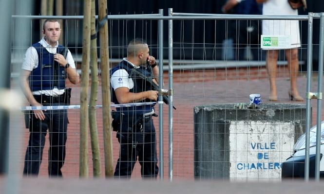 """صرخ """"الله أكبر"""" وطعن شرطيتين في بلجيكا"""