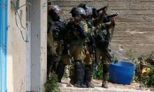 الاحتلال يعتقل 5 فلسطينيين في الضفة