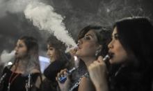 ما الذي يدفع الشباب لتدخين السجائر الإلكترونية؟