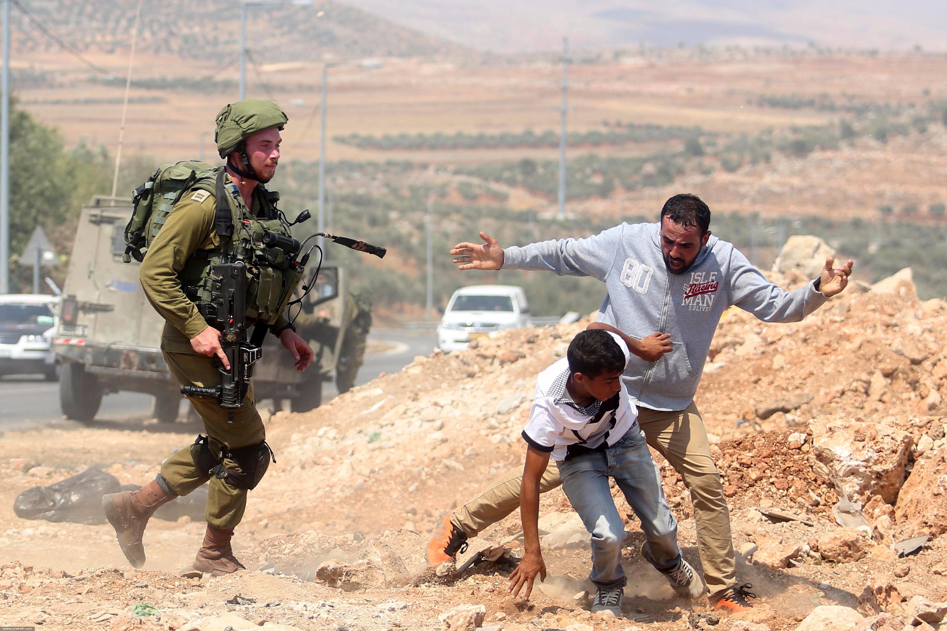 إصابة واختناق عشرات الفلسطينيين بمواجهات مع قوات الاحتلال