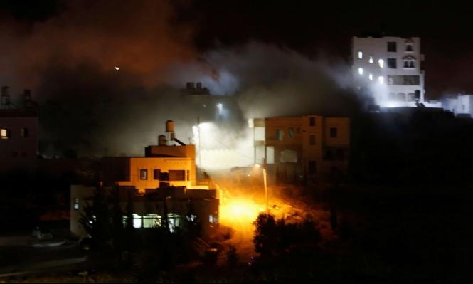 """الاحتلال يهدم منزل عائلة منفذ عملية بمستوطنة """"كريات أربع"""""""