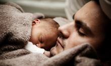 معظم الآباء يعرضون أطفالهم لمتلازمة الموت المفاجئ