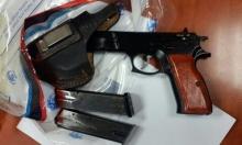 بعد اتهام الشرطة بالتقاعس: ضبط أسلحة واعتقالات