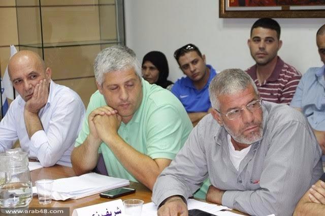 الناصرة: مواطنون يتظاهرون والمجلس البلدي يبحث ظاهرة العنف